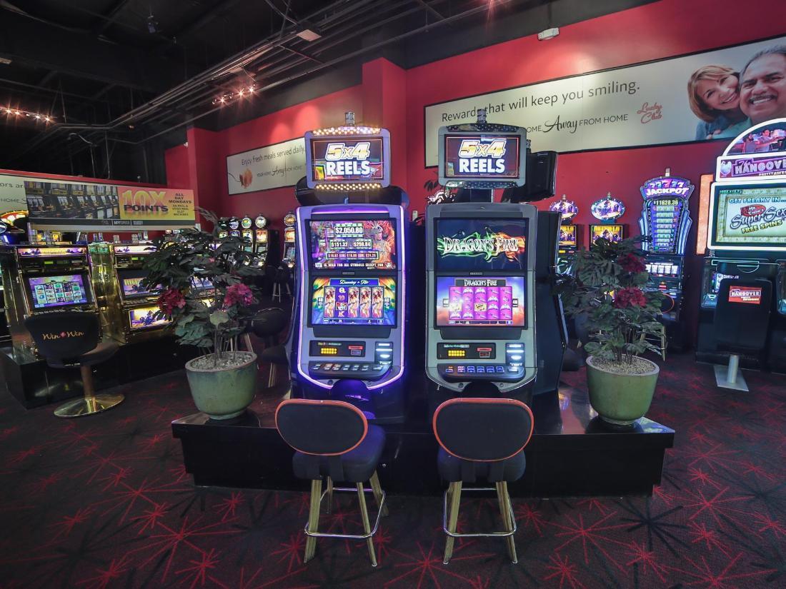 lucky 7 casino room rates