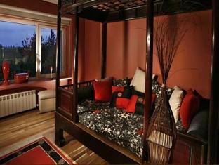 http://pix1.agoda.net/hotelImages/297/297956/297956_120229153458106.jpg