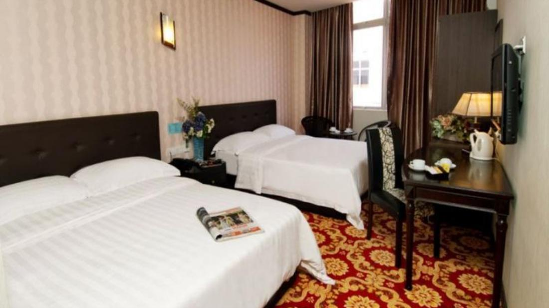 S Bee Hotel - Guest Room