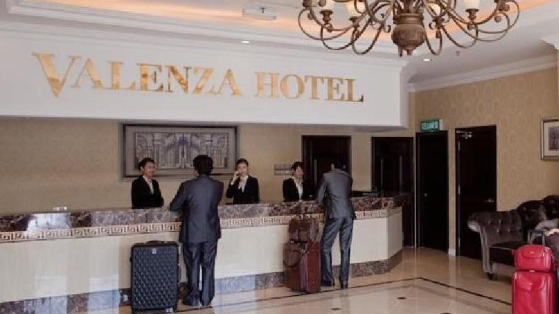 Valenza Hotel & Cafe - Valenza Hotel & Cafe Lobby
