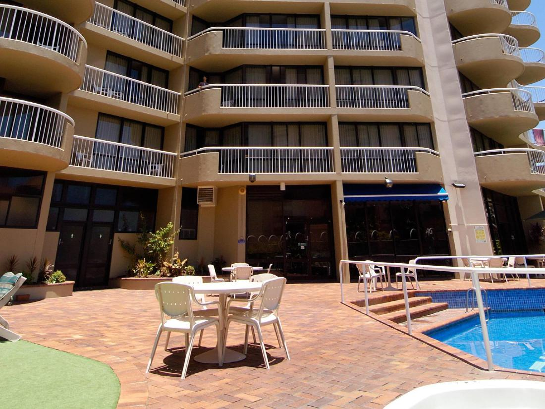 Best Price on Central Hillcrest Apartments in Brisbane ...