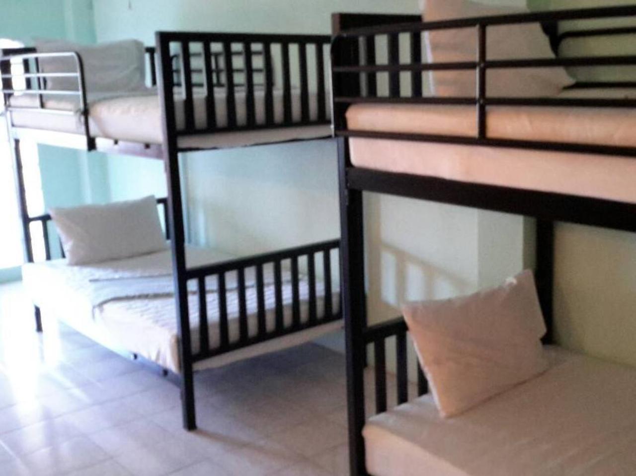 2 บี โฮสเทล (2B Hostel)