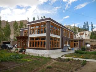 Sangto Green Guest House - Leh