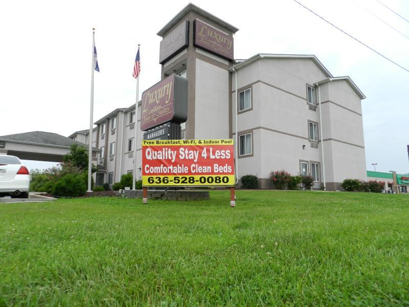 Troy (MO) United States  City new picture : Luxury Inn & Suites Hotel Troy MO , United States: Agoda.com