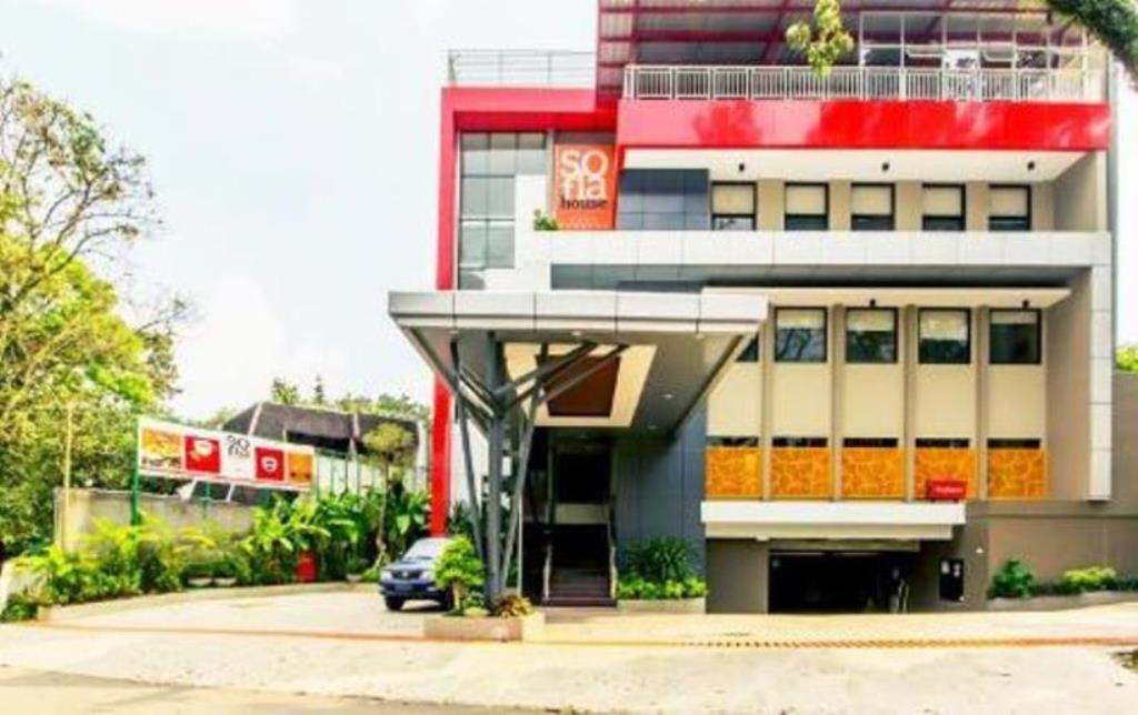 Hotel D'best Sofia Hotel Bandung - Jalan Teuku Angkasa No. 27 Dago - Bandung