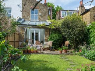 Veeve  SemiDetached 3 Bed House On Clovelly Road Ealing