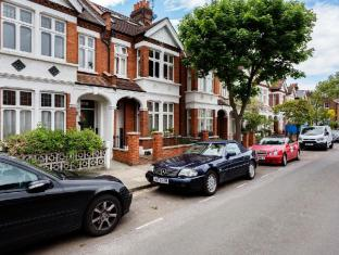 Veeve  4 Bed House On Alfriston Road Clapham