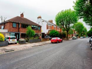 Veeve  3 Bed House On Mount View Road In Haringey