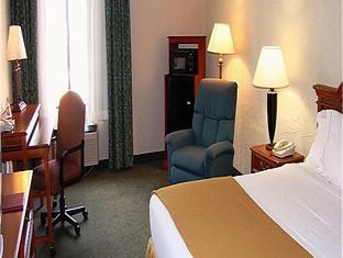 Country Inn & Suites by
