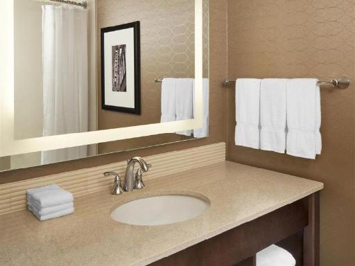 ➦  Starwood Hotels & Resorts Worldwide    (Michigan) customer rating