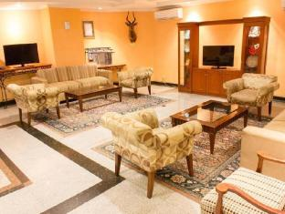 Travellers Suites Serviced Apartments Medan - Vestíbulo