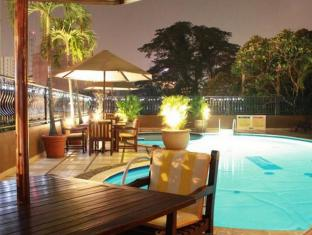 Travellers Suites Serviced Apartments Medan - Piscina