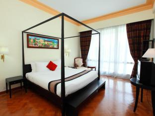 Inya Lake Hotel Yangon - Junior Suite
