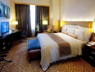 Cebu City Marriott Hotel Cebu City - Luxury Suite Bedroom