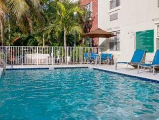 Towneplace Suites By Marriott Miami Lakes Hotel Hialeah (FL) - Swimming Pool