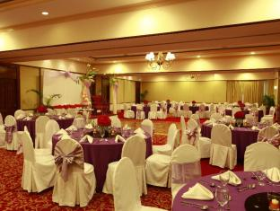 Waterfront Airport Hotel and Casino Mactan Cebu - Sala de reunions