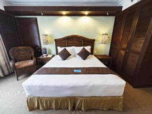 Waterfront Airport Hotel and Casino Mactan Cebu - Suiterom