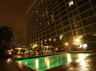 Manila Pavilion Hotel & Casino Manila - Swimming Pool