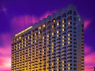 Diamond Hotel Manila - Hotel Facade at Dusk