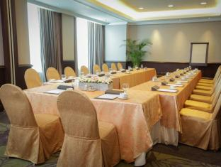 Diamond Hotel Manila - Meeting Room