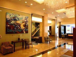 Century Plaza Hotel And Spa Vancouver (BC) - Lobby