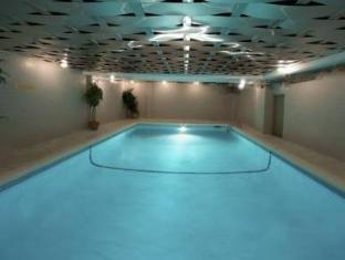 Century Plaza Hotel And Spa Vancouver (BC) - Swimming Pool
