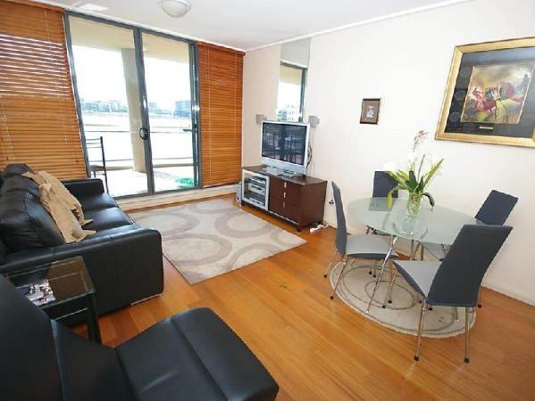 Hombush Bay Furnished Apartments 125 Bennelong Road Sydney