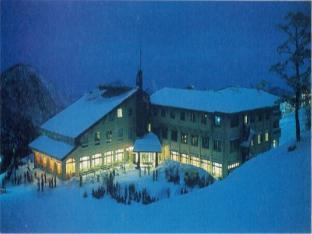 大山白色宫殿酒店 image