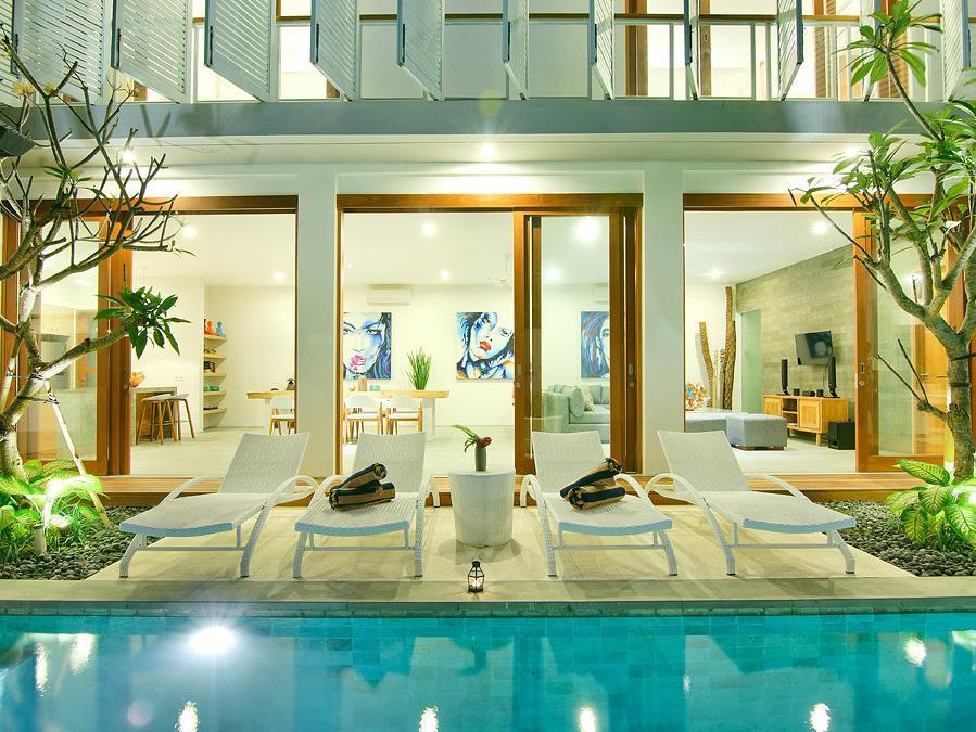 Villa Azure by La Bella Casa
