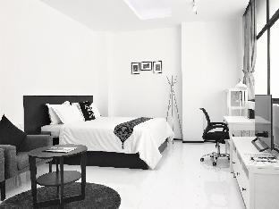 YAMA HOTEL & ROOFTOP BAR