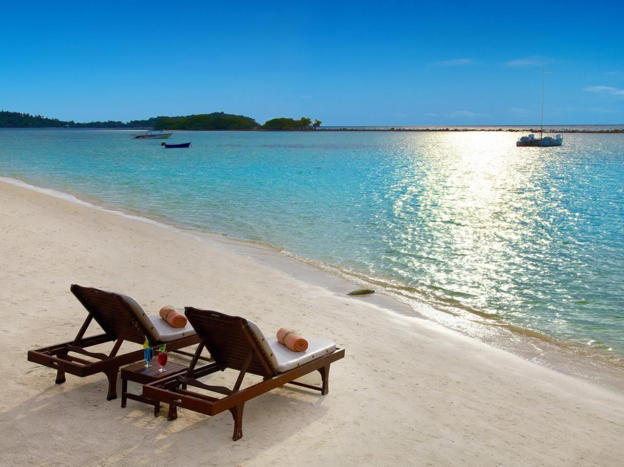 เฉวง รีเจนท์ บีช รีสอร์ท (Chaweng Regent Beach Resort)