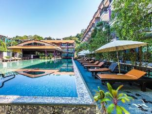 Phuvaree Resort Phuket - Swimming Pool