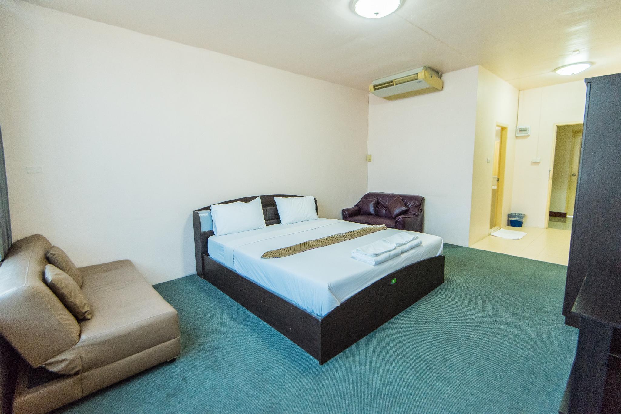 โรงแรมคิง รอยัล ทู