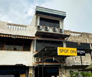Blok A No.4 / 88, Jl. Batang Arau, Padang