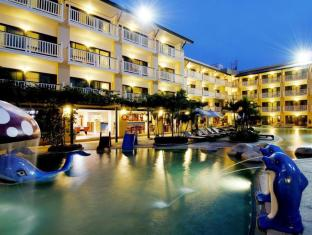 Thara Patong Beach Resort & Spa Phuket - Tamarind Pool Night
