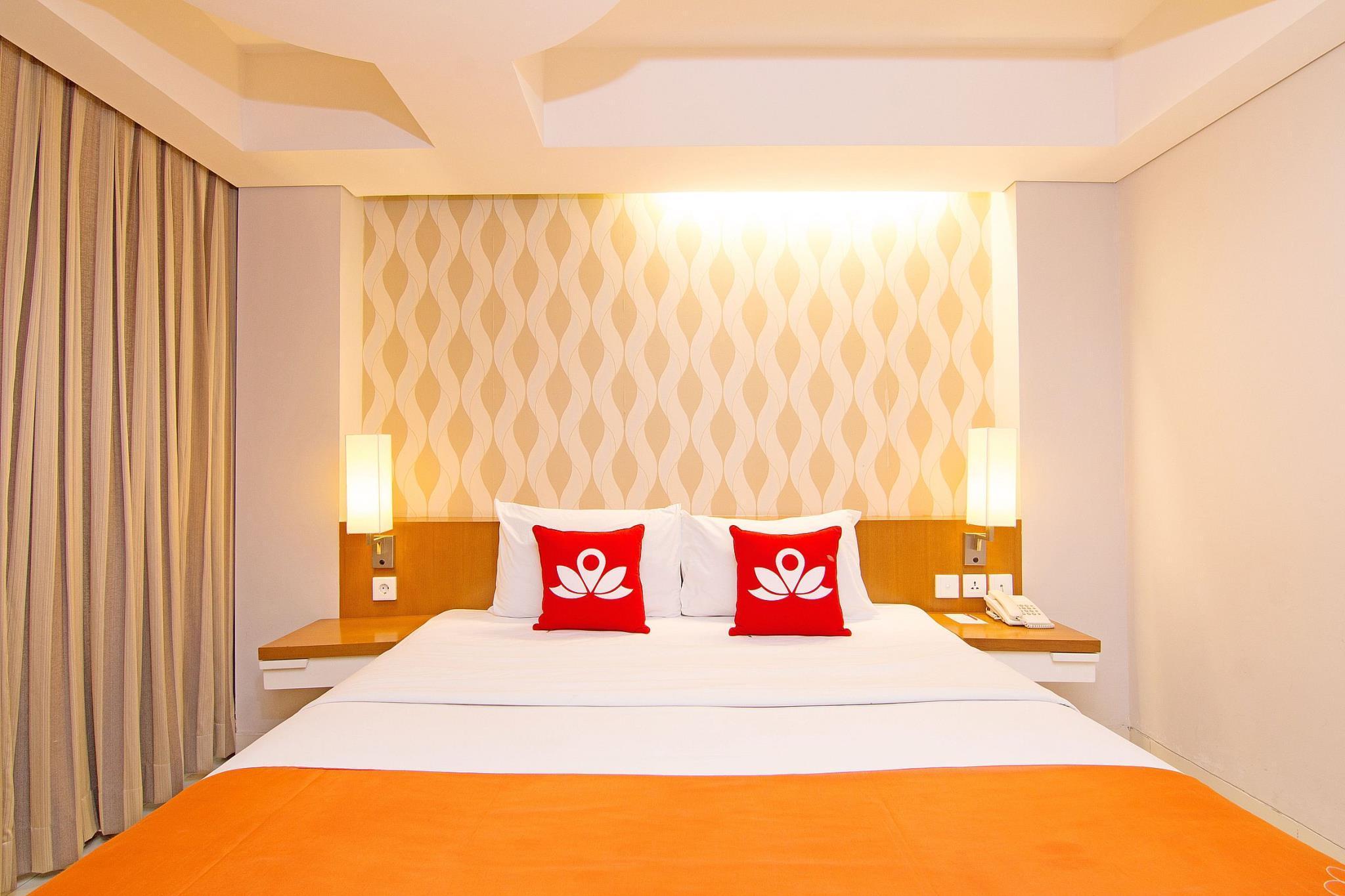 ZenRooms Kuta Sunset Road Hotel