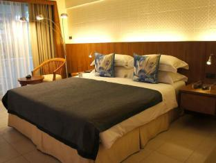 Safari Beach Hotel Phuket - Contemporary Thai Grand Deluxe