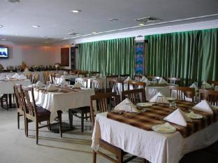 The Chariot Hotel Chennai - Restaurant