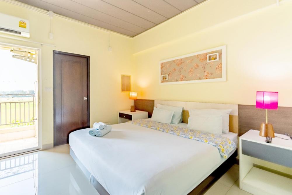 AA Birds Hotel