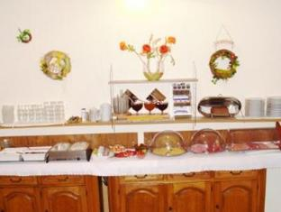 Hotelpension Margrit Berliini - Buffet