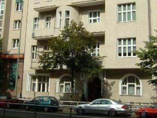 Hotelpension Margrit Berlin - Tampilan Luar Hotel