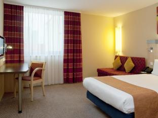 Holiday Inn Express Berlin City Centre West Берлін
