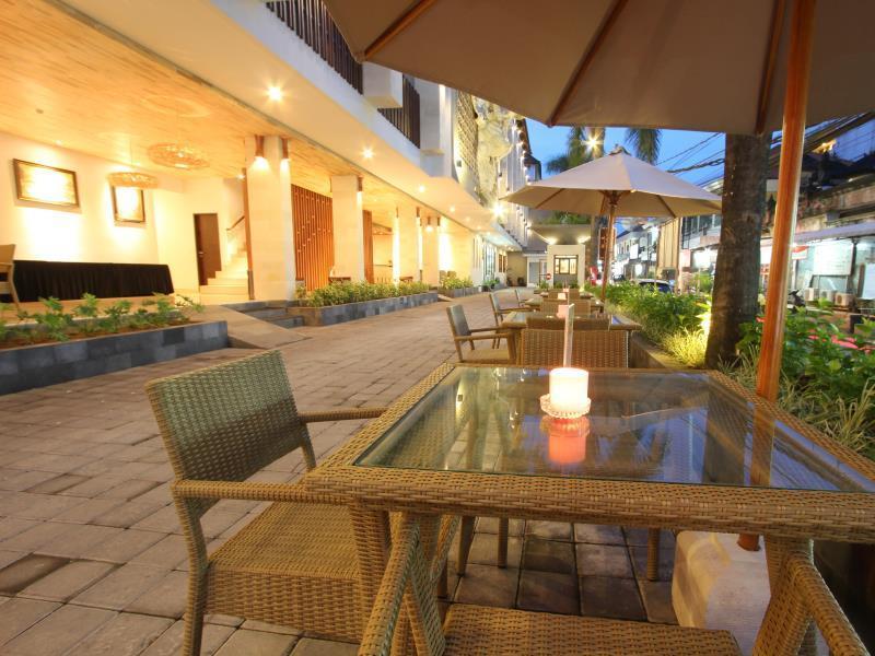 Hotel Grand La Walon Hotel - Jln Benesari - Bali