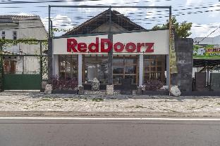 RedDoorz Plus @ Flory Hotel Yogyakarta