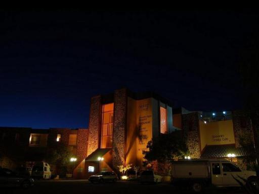 Best guest rating in Coober Pedy ➦ The Lookout Cave Underground Motel takes PayPal