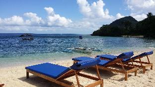 White Beach Front and Cottages Hinugtan Resort in Buruanga