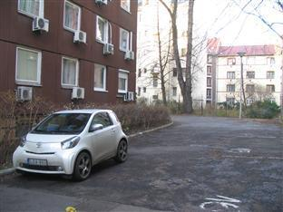 Apartments Leslie Budapest - Parking Area