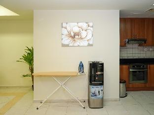 47 Full Apt in tallest tower+sea view+free parking - image 2