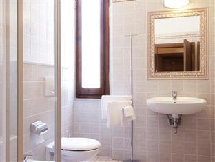 ホテル サボイア&サンパーナ モンテカティーニテルメ - バスルーム