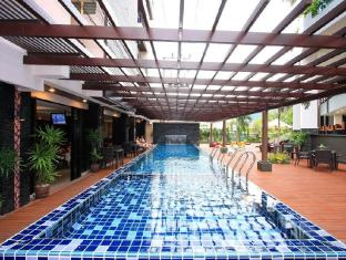 Baramee Hip Hotel Phuket - Swimming Pool